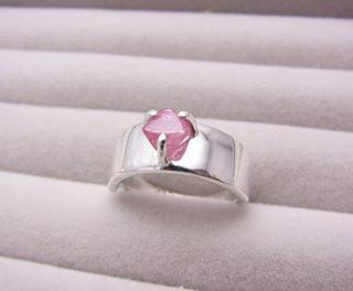 ピンクスピネル結晶のリング2