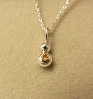 イエローサファイアの純銀の珠2