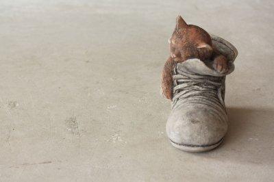 イギリス オールドガーデニングオーナメント 子ネコ in ブーツ