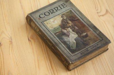 洋古書 Corrie