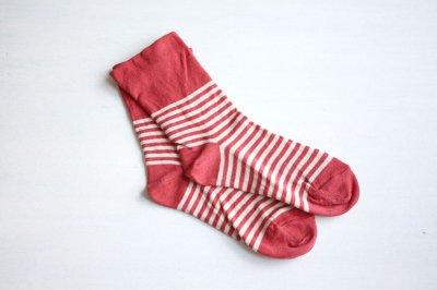 絹屋 内側シルク2重編み靴下 綿ボーダー履き口ゆったり レディース 赤色