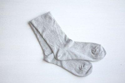 絹屋 内側シルク2重編み靴下 綿 履き口ゆったり レディース 銀色