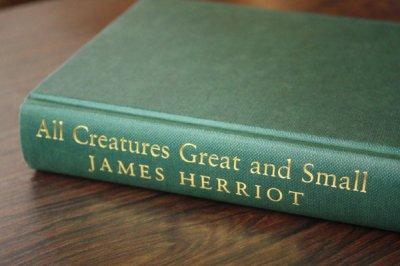 洋古書 All Creatures Great and Small