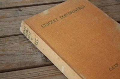 洋古書 Cricket Controversy