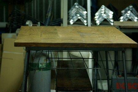 タモ古材鉄脚テーブル