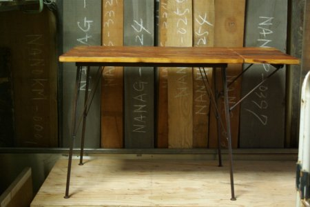 アンティークパイン鉄脚テーブル007