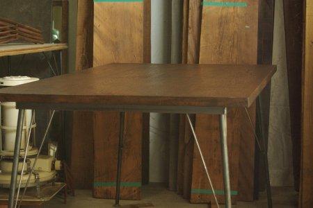 楢古材鉄脚テーブル006