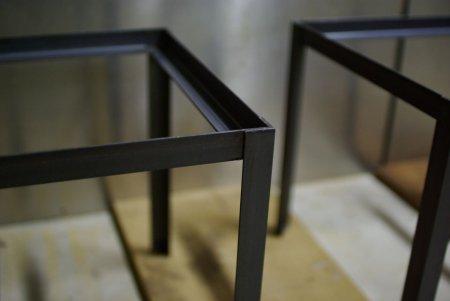 黒皮鉄のアングルシェルフ/スピーカースタンド