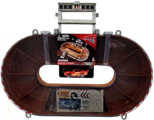 THOMASVILLE SPEEDWAY PORTABLE CARRY CASE PLAYSET with マックイーン