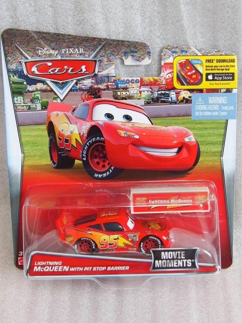 訳有特価】LIGHTNING MCQUEEN WITH PIT STOP BARRIER