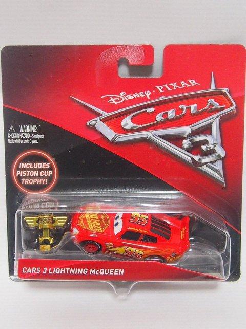 CARS3 LIGHTNING MCQUEEN with ピストンカップトロフィー