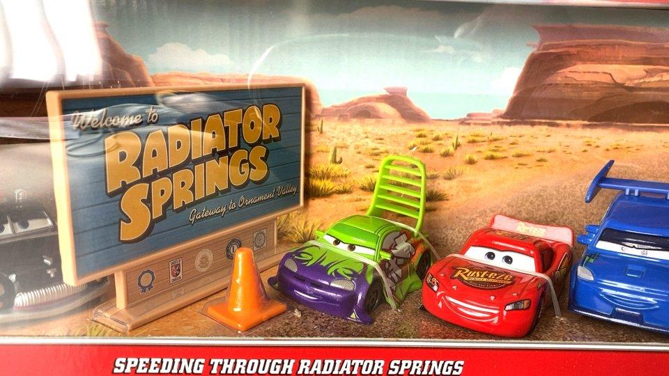 ご予約販売品】SPEEDING THROUGH RADIATOR SPRINGS 4-PACK RSC 2021 ウィンゴ DJ