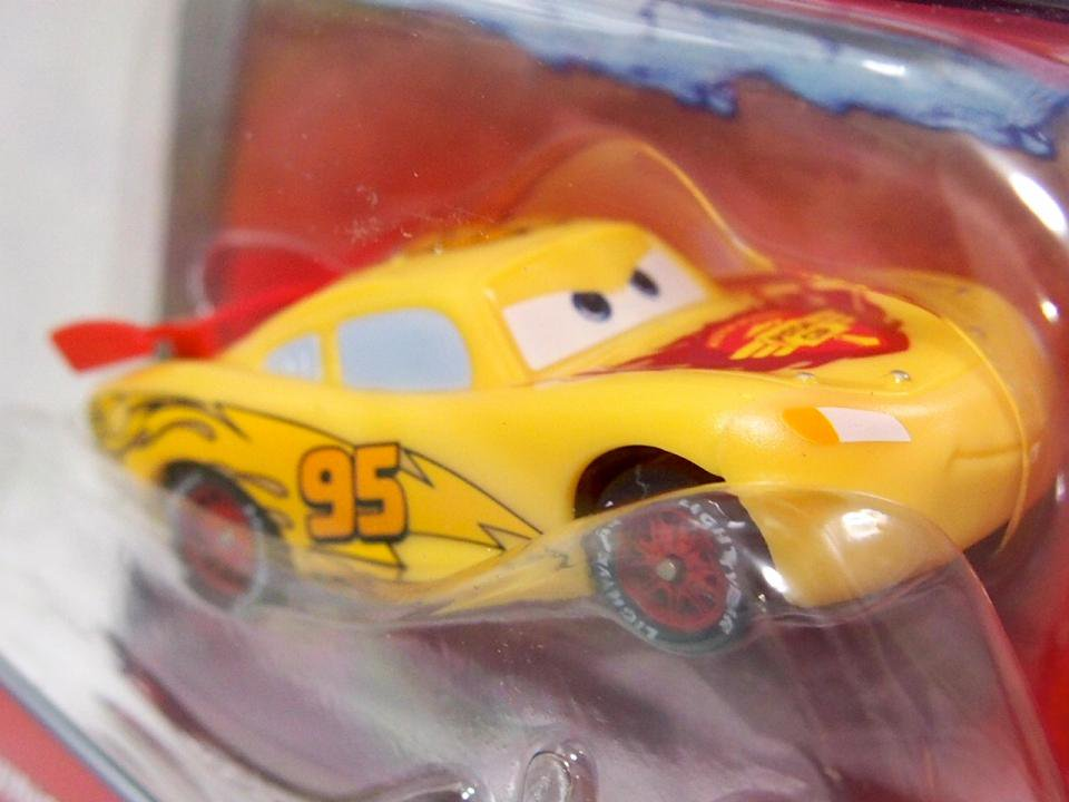 COLOR CHANGER LIGHTNING MCQUEEN RED/YELLOW
