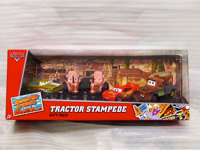 TRACTOR STAMPEDE GIFT PACK