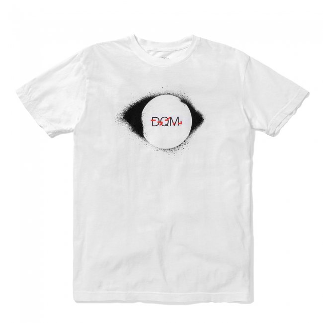 【40%OFF】DQM ECLIPSE TEE / WHITE (DQM NYC Tシャツ/半袖) <img class='new_mark_img2' src='//img.shop-pro.jp/img/new/icons41.gif' style='border:none;display:inline;margin:0px;padding:0px;width:auto;' />
