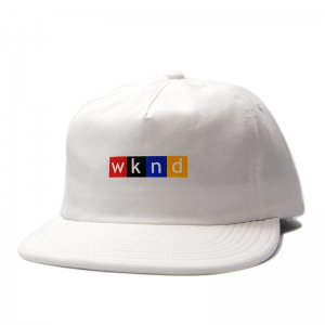 <img class='new_mark_img1' src='//img.shop-pro.jp/img/new/icons5.gif' style='border:none;display:inline;margin:0px;padding:0px;width:auto;' />WKND NPW SNAPBACK CAP/ WHITE (ウィークエンド 5パネルスナップバックキャップ)