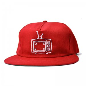 <img class='new_mark_img1' src='//img.shop-pro.jp/img/new/icons5.gif' style='border:none;display:inline;margin:0px;padding:0px;width:auto;' />WKND TV LOGO SNAPBACK CAP/ SCARLET (ウィークエンド 5パネルスナップバックキャップ)
