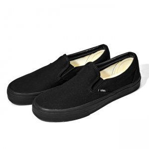 <img class='new_mark_img1' src='//img.shop-pro.jp/img/new/icons21.gif' style='border:none;display:inline;margin:0px;padding:0px;width:auto;' />【30%OFF】VANS CLASSIC SLIP-ON / BLACK/BLACK (バンズ/ヴァンズ スリッポン スニーカー)