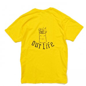 <img class='new_mark_img1' src='//img.shop-pro.jp/img/new/icons5.gif' style='border:none;display:inline;margin:0px;padding:0px;width:auto;' />OUR LIFE BURN BARREL TEE by Chris Lindig / YELLOW (アワーライフ TEE/Tシャツ)