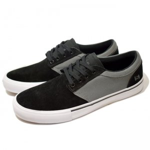<img class='new_mark_img1' src='https://img.shop-pro.jp/img/new/icons5.gif' style='border:none;display:inline;margin:0px;padding:0px;width:auto;' />STATE FOOTWEAR ELGIN / BLACK / PEWTER SUEDE (ステイト フットウエア スケートシューズ)