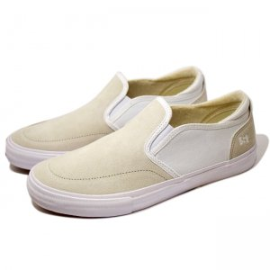 <img class='new_mark_img1' src='https://img.shop-pro.jp/img/new/icons5.gif' style='border:none;display:inline;margin:0px;padding:0px;width:auto;' />STATE FOOTWEAR KEYS / Bone White Suede (ステイト フットウエア スケートシューズ)