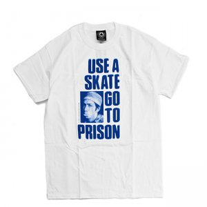 <img class='new_mark_img1' src='//img.shop-pro.jp/img/new/icons5.gif' style='border:none;display:inline;margin:0px;padding:0px;width:auto;' />THRASHER USE A SKATE GO TO PRISON TEE / WHITE (スラッシャー ロゴTシャツ)