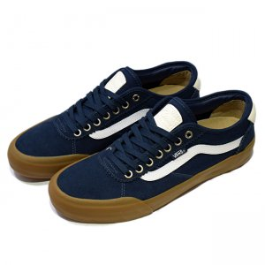 <img class='new_mark_img1' src='//img.shop-pro.jp/img/new/icons5.gif' style='border:none;display:inline;margin:0px;padding:0px;width:auto;' />VANS CHIMA PRO 2 【PRO】/ navy/gum/white (バンズ/ヴァンズ プロスケート スニーカー)