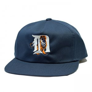 <img class='new_mark_img1' src='//img.shop-pro.jp/img/new/icons5.gif' style='border:none;display:inline;margin:0px;padding:0px;width:auto;' />DAY LIQUOR STORE DETROIT TIGER BEER CAP / NAVY (デイリカーストアー 5パネルキャップ)