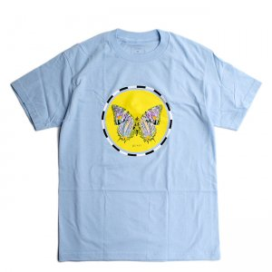 <img class='new_mark_img1' src='//img.shop-pro.jp/img/new/icons5.gif' style='border:none;display:inline;margin:0px;padding:0px;width:auto;' />QUASI MOTH TEE / POWDER BLUE (クアジ Tシャツ/半袖)