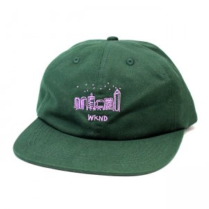 <img class='new_mark_img1' src='//img.shop-pro.jp/img/new/icons5.gif' style='border:none;display:inline;margin:0px;padding:0px;width:auto;' />WKND CITY SKETCH STRAPBACK CAP/ FOREST GREEN (ウィークエンド 6パネルストラップバックキャップ)