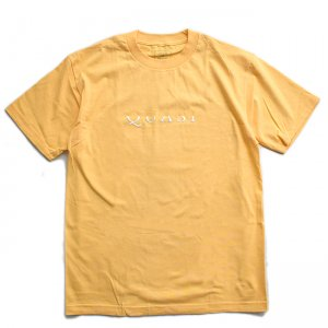 <img class='new_mark_img1' src='//img.shop-pro.jp/img/new/icons5.gif' style='border:none;display:inline;margin:0px;padding:0px;width:auto;' />QUASI WORDMARK TEE / SQUASH (クアジ Tシャツ/半袖)