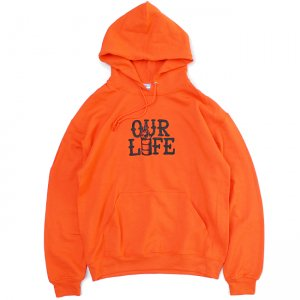 <img class='new_mark_img1' src='https://img.shop-pro.jp/img/new/icons5.gif' style='border:none;display:inline;margin:0px;padding:0px;width:auto;' />OUR LIFE STACKED BARREL PULLOVER HOODIE  / ORANGE (アワーライフ フーディ/パーカー/スウェット)