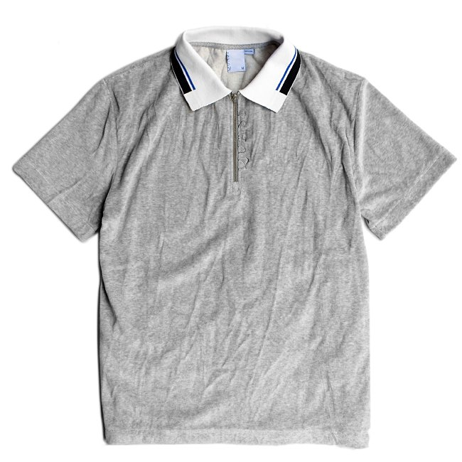 <img class='new_mark_img1' src='//img.shop-pro.jp/img/new/icons5.gif' style='border:none;display:inline;margin:0px;padding:0px;width:auto;' />QUASI VELOUR ZIP POLO / HEATHER GREY (クアジ ポロシャツ/半袖)