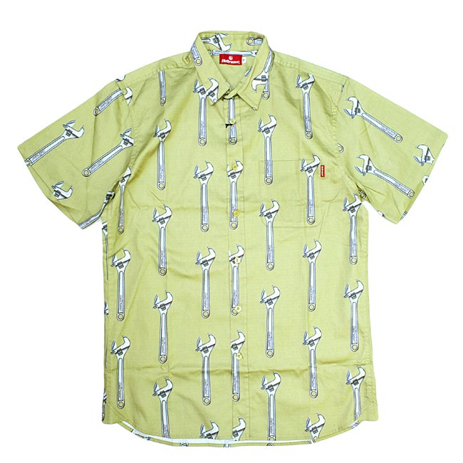 <img class='new_mark_img1' src='https://img.shop-pro.jp/img/new/icons5.gif' style='border:none;display:inline;margin:0px;padding:0px;width:auto;' />HELLRAZOR WRENCH BUTTON UP SHIRT / KAHKI (ヘルレイザー 半袖シャツ)