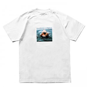 <img class='new_mark_img1' src='https://img.shop-pro.jp/img/new/icons5.gif' style='border:none;display:inline;margin:0px;padding:0px;width:auto;' />BECKY FACTORY FASHION KILLER SHARK TEE / WHITE (ベッキーファクトリー Tシャツ)