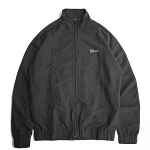 <img class='new_mark_img1' src='https://img.shop-pro.jp/img/new/icons5.gif' style='border:none;display:inline;margin:0px;padding:0px;width:auto;' />GRAND COLLECTION GRAND SCRIPT NYLON JACKET / BLACK (グランドコレクション ナイロンジャケット)