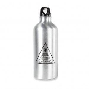 <img class='new_mark_img1' src='//img.shop-pro.jp/img/new/icons5.gif' style='border:none;display:inline;margin:0px;padding:0px;width:auto;' />THEORIES Theoramid Aluminum Water Bottle / Silver (セオリーズ  ウォーターボトル)