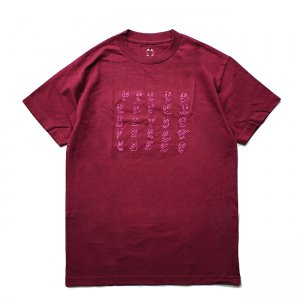<img class='new_mark_img1' src='https://img.shop-pro.jp/img/new/icons5.gif' style='border:none;display:inline;margin:0px;padding:0px;width:auto;' />WKND FACES TEE / BURGUNDY (ウィークエンド Tシャツ)