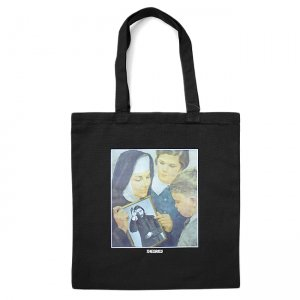 <img class='new_mark_img1' src='//img.shop-pro.jp/img/new/icons5.gif' style='border:none;display:inline;margin:0px;padding:0px;width:auto;' />THEORIES SUNDAY SCHOOL TOTE BAG / BLACK (セオリーズ トートバック)