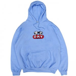<img class='new_mark_img1' src='https://img.shop-pro.jp/img/new/icons5.gif' style='border:none;display:inline;margin:0px;padding:0px;width:auto;' />DAY LIQUOR STORE COCKTAILS DOG HOODIE / LIGHT BLUE (デイリカーストアー パーカー/スウェット)