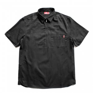 <img class='new_mark_img1' src='https://img.shop-pro.jp/img/new/icons5.gif' style='border:none;display:inline;margin:0px;padding:0px;width:auto;' />HELLRAZOR HALF ZIP OXFORD SHIRT / BLACK (ヘルレイザー 半袖シャツ)