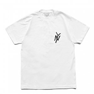 <img class='new_mark_img1' src='https://img.shop-pro.jp/img/new/icons5.gif' style='border:none;display:inline;margin:0px;padding:0px;width:auto;' />5BORO NY MONOGRAM TEE / WHITE (ファイブボロ/Tシャツ)