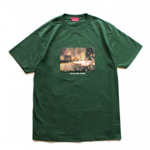 <img class='new_mark_img1' src='//img.shop-pro.jp/img/new/icons5.gif' style='border:none;display:inline;margin:0px;padding:0px;width:auto;' />HELLRAZOR NOTRE DAME T-SHIRT / FOREST GREEN (ヘルレイザー Tシャツ)