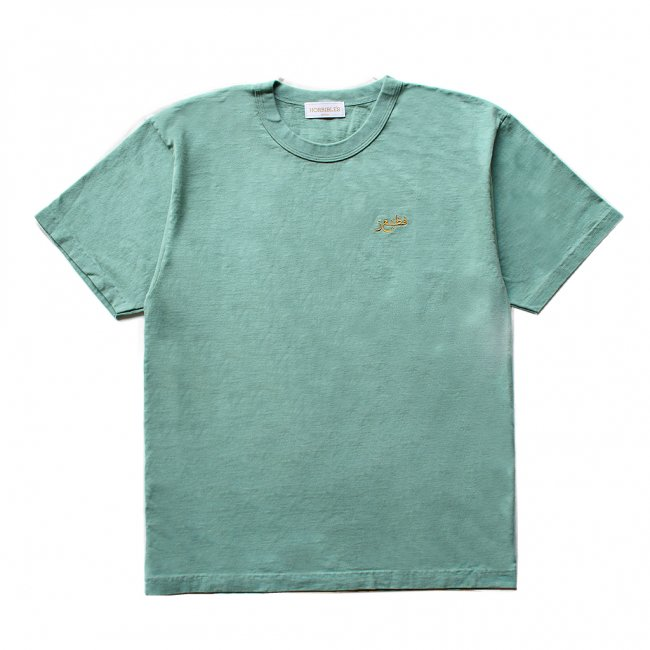 <img class='new_mark_img1' src='https://img.shop-pro.jp/img/new/icons5.gif' style='border:none;display:inline;margin:0px;padding:0px;width:auto;' />HORRIBLE'S QATAR T-SHIRT / GREEN (ホリブルズ Tシャツ)