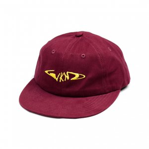 <img class='new_mark_img1' src='https://img.shop-pro.jp/img/new/icons5.gif' style='border:none;display:inline;margin:0px;padding:0px;width:auto;' />WKND FISH BORN CAP / MAROON (ウィークエンド 6パネルキャップ)
