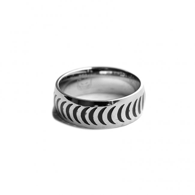 <img class='new_mark_img1' src='https://img.shop-pro.jp/img/new/icons5.gif' style='border:none;display:inline;margin:0px;padding:0px;width:auto;' />SPITFIRE CRESCENT RING (スピットファイアー リング/指輪)