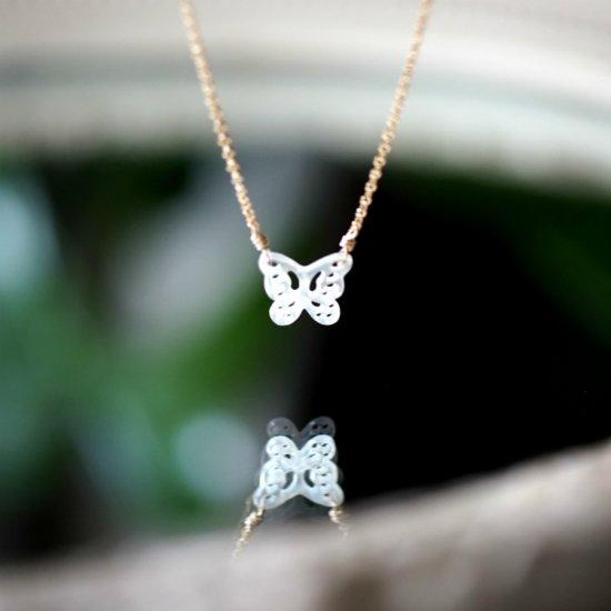 白蝶貝のバタフライフィリグリーネックレス 〜Ivanna