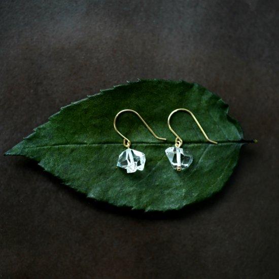 K18大粒ハーキマーダイヤモンドの一粒ピアス 〜Sasa
