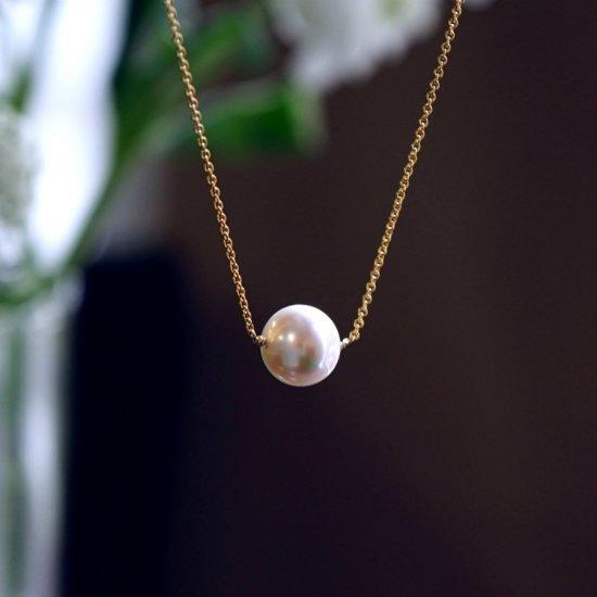 大粒貝パールの一粒ネックレス 〜Petrona
