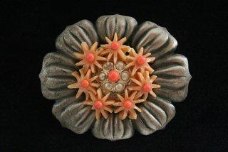 アンティークブローチ/珊瑚色のガラス